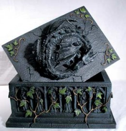 Slumbering Dragon`s Tomb Box